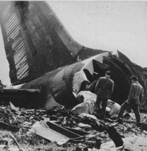 I resti del Dc8 Alitalia nella sciagura del 5 maggio 1972