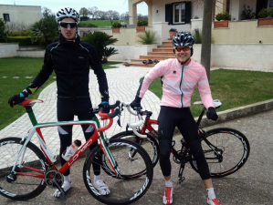 In versione biker con Tom Blomqvist ex-compagno di scuderia