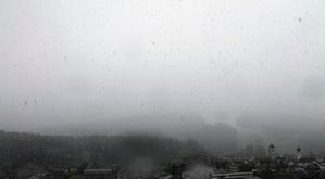 San Candido sotto la prima e fitta nevicata di questa mattina