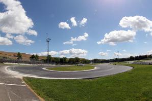 Una zona del circuito con il nuovo manto di asfalto
