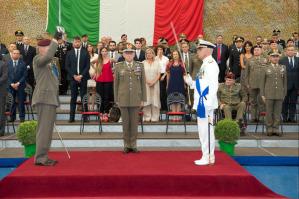 Un momento della cerimonia alla presenza del capo di Stato maggiore, il generale Claudio Graziano
