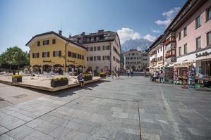 La Piazza del centro storico di San candido