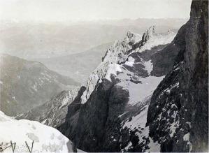 La panoramica veduta dell'abitato di Sesto dal passo della Sentinella sul versante che volge sulla Val Fiscalina
