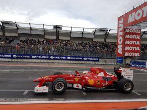 Antonio Giovinazzi con la Ferrari