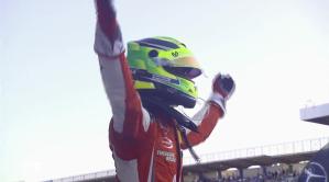 Mick Schumacher esulta per la conquista del titolo europeo di F.3 in Germania