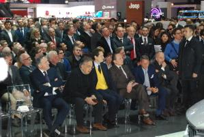 Una immagine del Salone di Ginevra del 2016, in occasione della presentazione della Maserati Levante, con una prima fila di personaggi di spicco del mondo dell'automobile (ph.Manfregola)