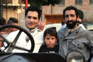 L'attore protagonista, nei panni di De Palma, Alessandro Tersigni, il piccolo Andrea Rizzi e Antonio Urbano Silvestre, nei panni del meccanico del glorioso pilota foggiano