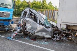 Una disattenzione durante la guida può costare caro. Dopo anni in cui il numero di incidenti era diminuito, dal 2017 si è assistito ad un preoccupante aumento di sinistri stradali pari al 24% della media nazionale.