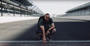 Il regista Antonio Silvestre a Daytona, il circuito che ha reso famoso Ralfph De Palma e dal quale sono cominciate le ricerche sul protagonista del suo film che presto verrà distribuito nelle sale cinematografiche
