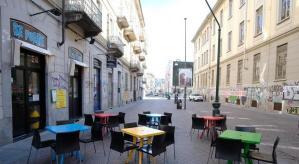 Aspetto spettrale nella centralissima Milano dove le strade sono deserte a causa dell'infezione