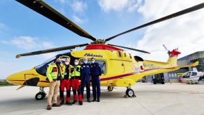 Lo staff al completo dell'equipaggio dell'elisoccorso 118 di Foggia